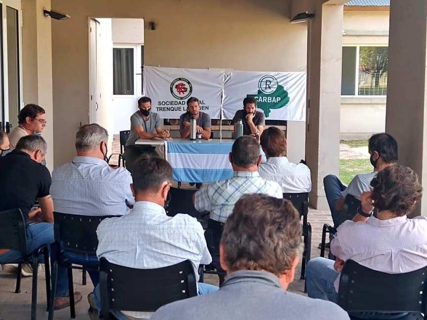 Asamblea de Productores Lecheros en la Rural de TrenqueLauquen